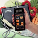 Hanna HI9813 meter to measure pH and electrical conductivity
